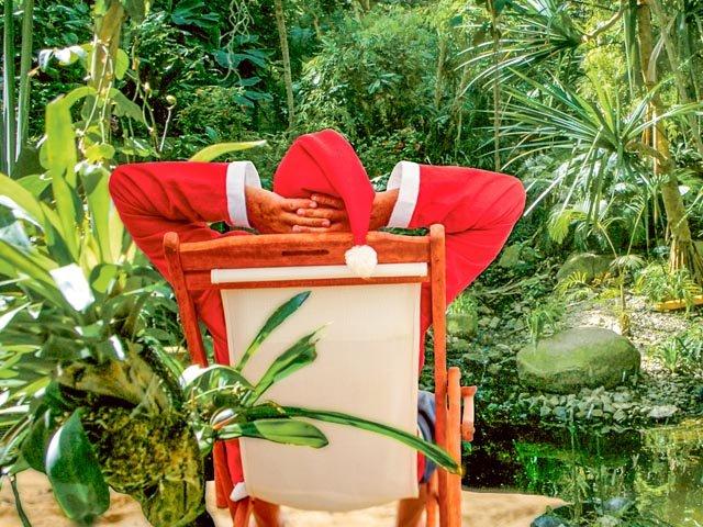 Geschenkezeit_2014.11_Weihnachtsmann-in-Biosphaere-01_25x16cm_300dp