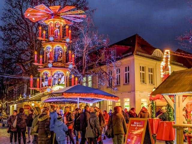 WeihnachtsmarktBrandenburgerStraße-2015.10-b3-TMB-FotoarchivSteffenLehmann.jpg