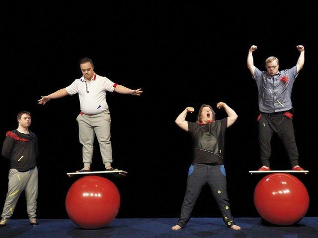 Circus Sonnenstich: Swith – Auss Welt innen